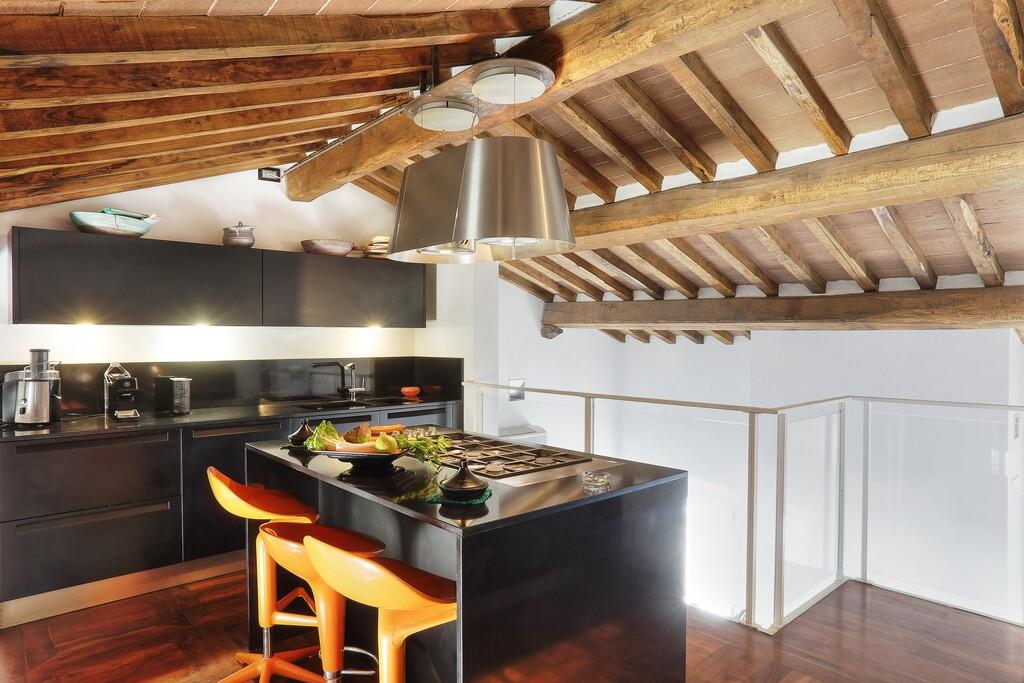Porta Küche attico porta a mare